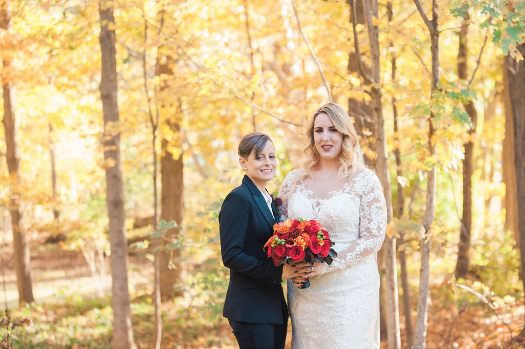 REAL WEDDING | Hints of Fall Massachusetts Wedding | Lightshed Photography Studio | Pretty Pear Bride
