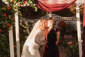 REAL WEDDING | Hints of Fall Massachusetts Wedding | Lightshed Photography Studio | Pretty Pear Bride