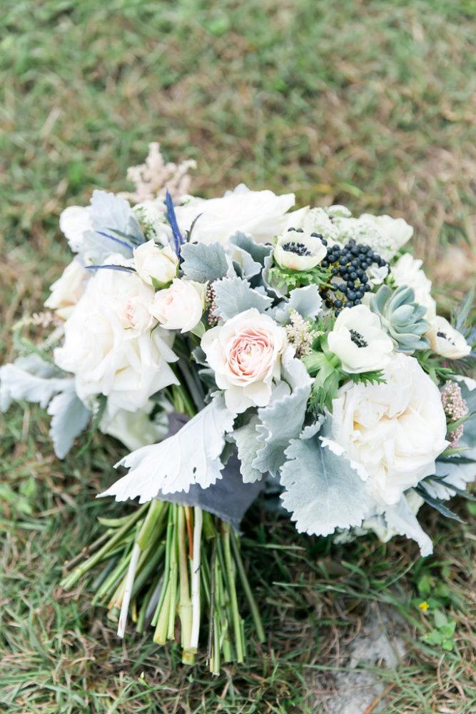REAL WEDDING | Rustic Barn Afternoon Wedding in Texas | ML Photo & Film Photography | Pretty Pear Bride