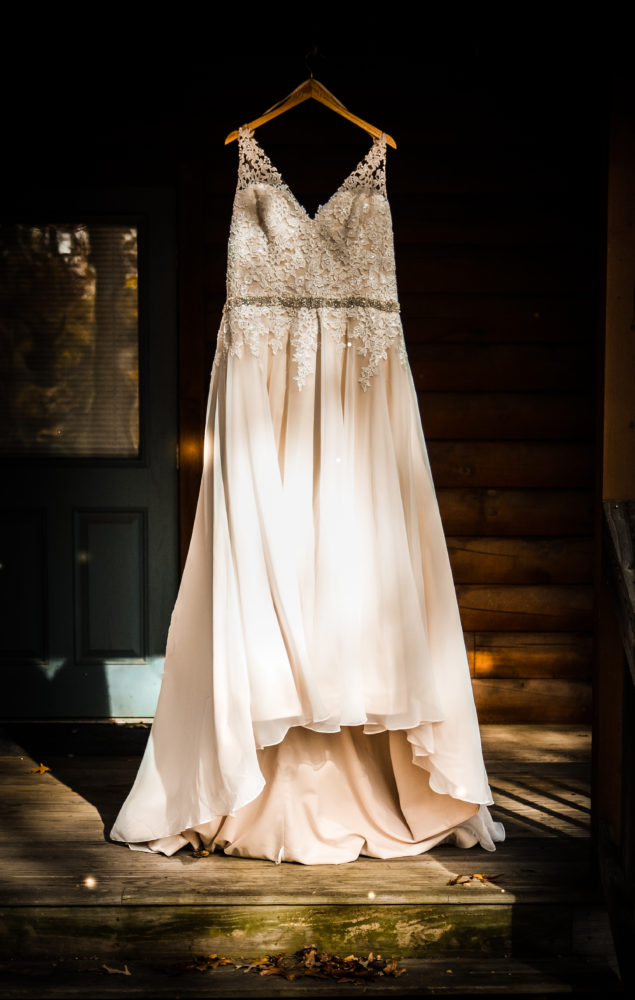 REAL WEDDING   Fall Wedding at Summer Camp in Massachusetts   Ends of Earth Innovation   Pretty Pear Bride