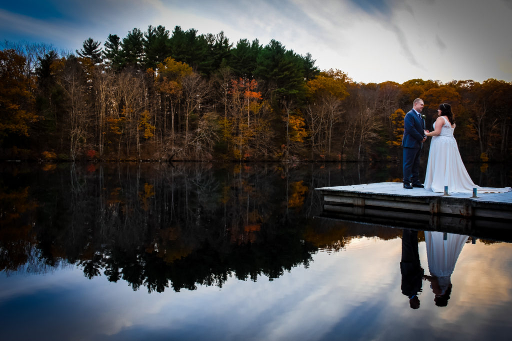REAL WEDDING | Fall Wedding at Summer Camp in Massachusetts | Ends of Earth Innovation | Pretty Pear Bride