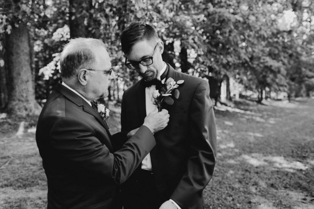 REAL WEDDING | Art Deco Garden Wedding in Virginia | Ambah Parkah Photography | Pretty Pear Bride