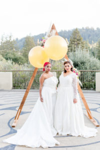 STYLED SHOOT | Summer Velvet Inspired Shoot Featuring Curvy Unicorn | Regina Kay Popova | Pretty Pear Bride