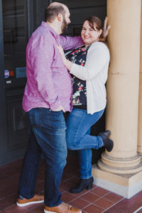 ENGAGEMENT | Touching and Sweet Engagement Session | Elizabeth Borges Photography | Pretty Pear Bride