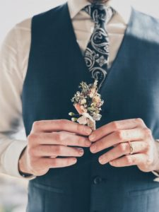 PLANNING | 7 Ways the Groom Can Help with Wedding Planning | Pretty Pear Bride