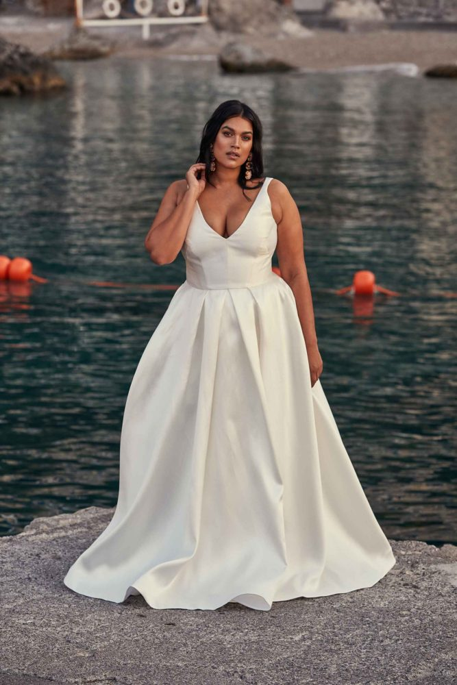 plus size bridal, plus size wedding dress, chosen by one day bridal