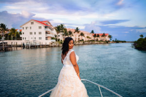 ENGAGEMENT | Elegant Nautical Engagement Session in The Bahamas | Lyndah Wells Photography | Pretty Pear Bride
