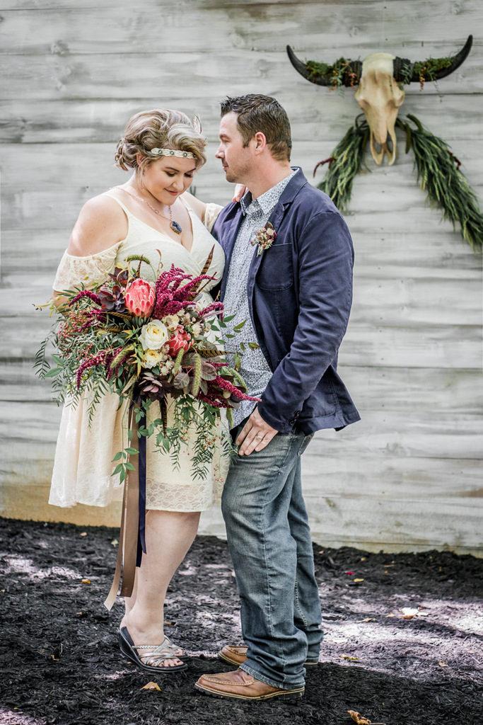 REAL WEDDING | Marsala and Navy Boho Vintage Wedding | Star Noir Photography | Pretty Pear Bride