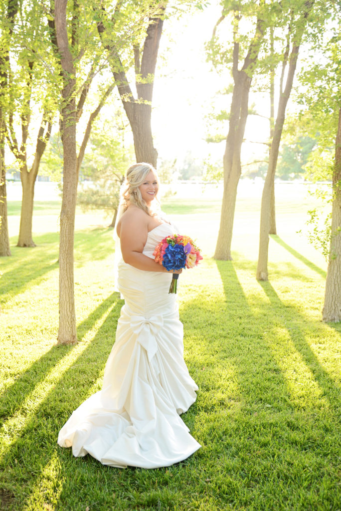 REAL WEDDING - Navy and Gray Wedding Midwest Wedding // Kalee Isenhour Photography | Pretty Pear Bride