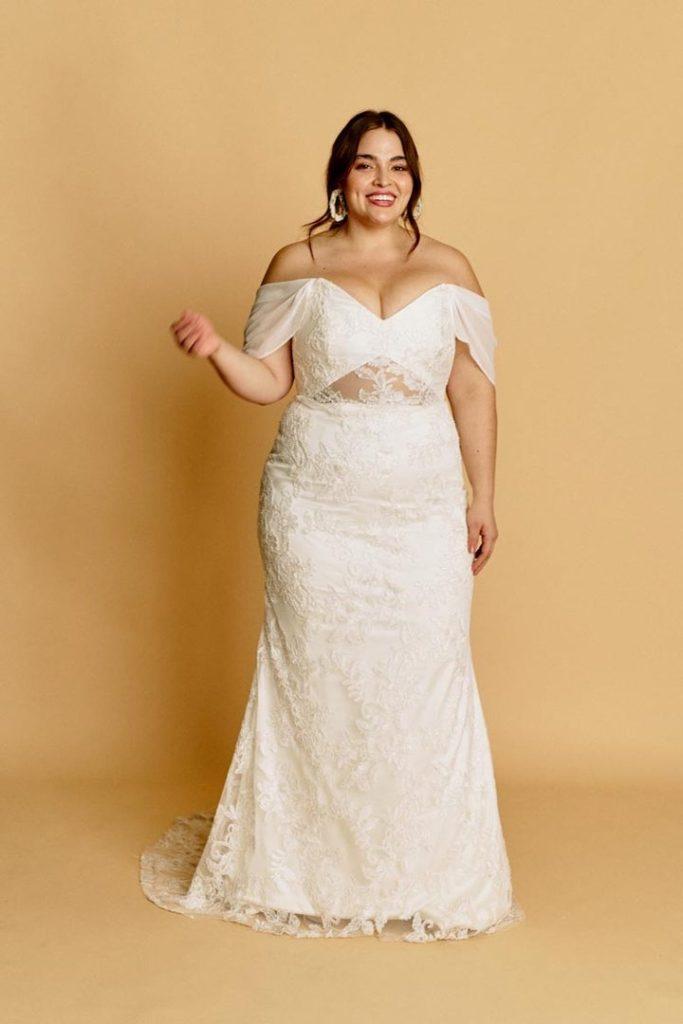 plus size bride, halseene, plus size wedding dress,
