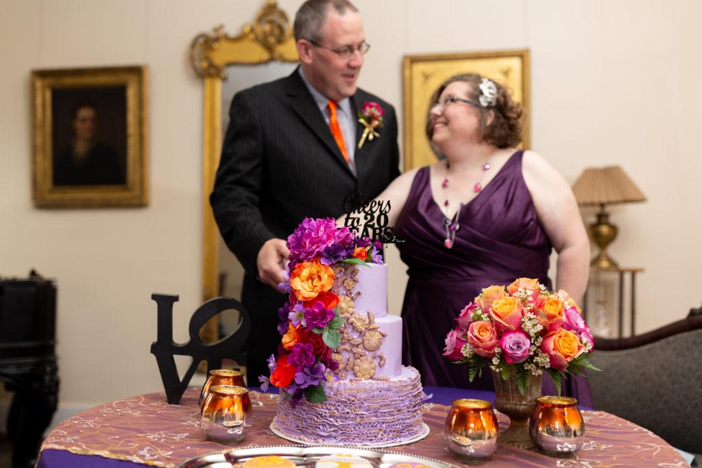 20th wedding anniversary photo shoot, plus size bride