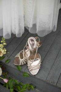 plus size bride, wedding shoes