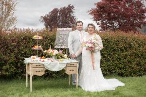 plus size bride, plus size wedding gown, grown, spring bouquet