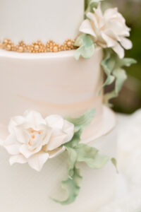 wedding cake, spring wedding, plus size wedding