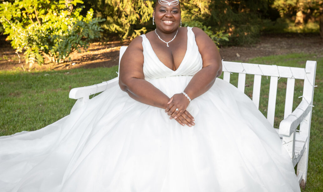 plus size bride, plus size wedding dress, wedding bling