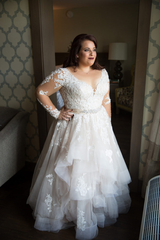 plus size bride, wedding dress, wedding gown