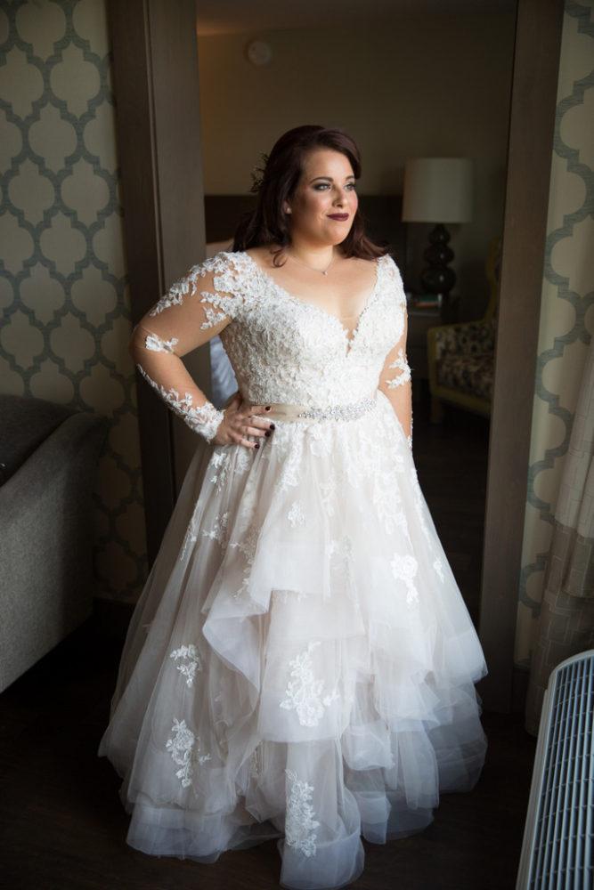 plus size bride, wedding dress, wedding gown
