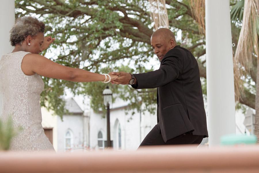 Real Wedding|Surprise Social Distancing Wedding|The Monarch Studio | Pretty Pear Bride