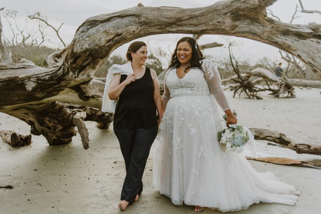 Real Wedding | Jekyll Island Elopement | Nathalia Frykman Photography | Pretty Pear Bride