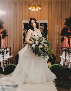 plus size bride, plus size wedding dress, plus size real wedding, old hollywood glamour