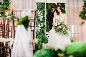 plus size bride, plus size wedding dress, plus size real wedding